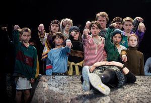 iwo-w-spektaklu-teatru-powszechnego-iwona-ksiezniczka-z-burbona-fot-m-hueckel
