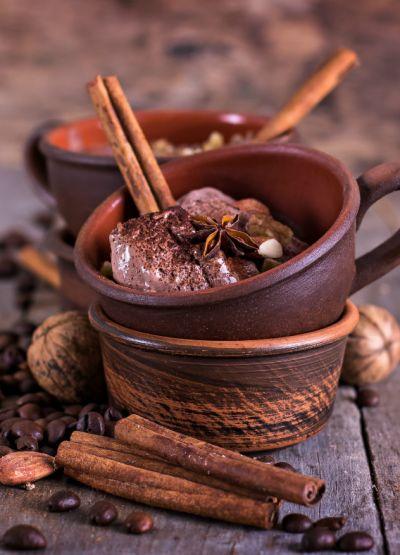 Krem czekoladowy z leśnymi owocami