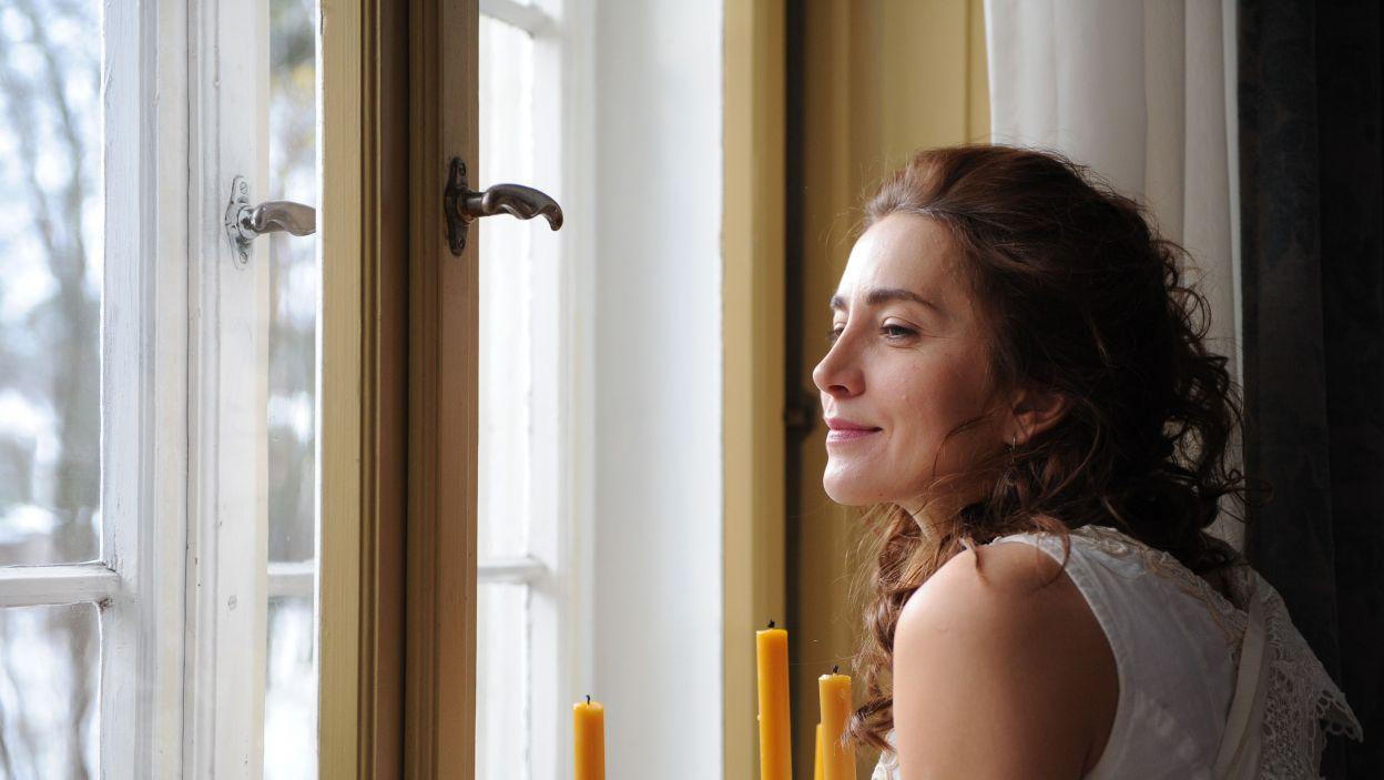 W rolę uroczej, acz podłej i zakłamanej Heleny wcieliła się Kamila Baar-Kochańska (fot. N. Młudzik/TVP)