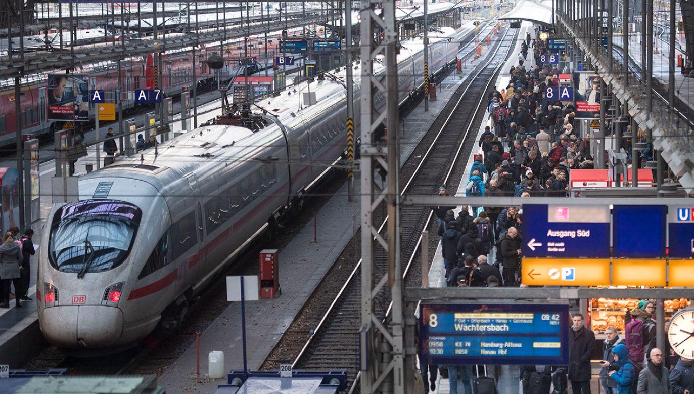 Niemieckie koleje są ważnym ogniwem tzw. Verkehrswende, czyli transformacji systemu transportowego (fot. Thomas Lohnes/Getty Images)
