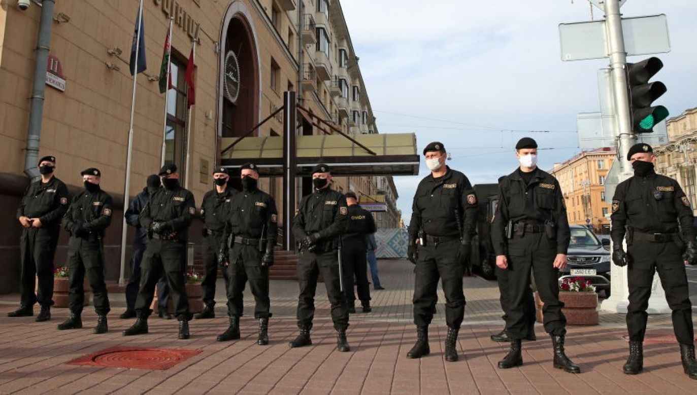 Obie dziennikarki zostały przewiezione na komisariaty (fot. Natalia Fedosenko\TASS via Getty Images)