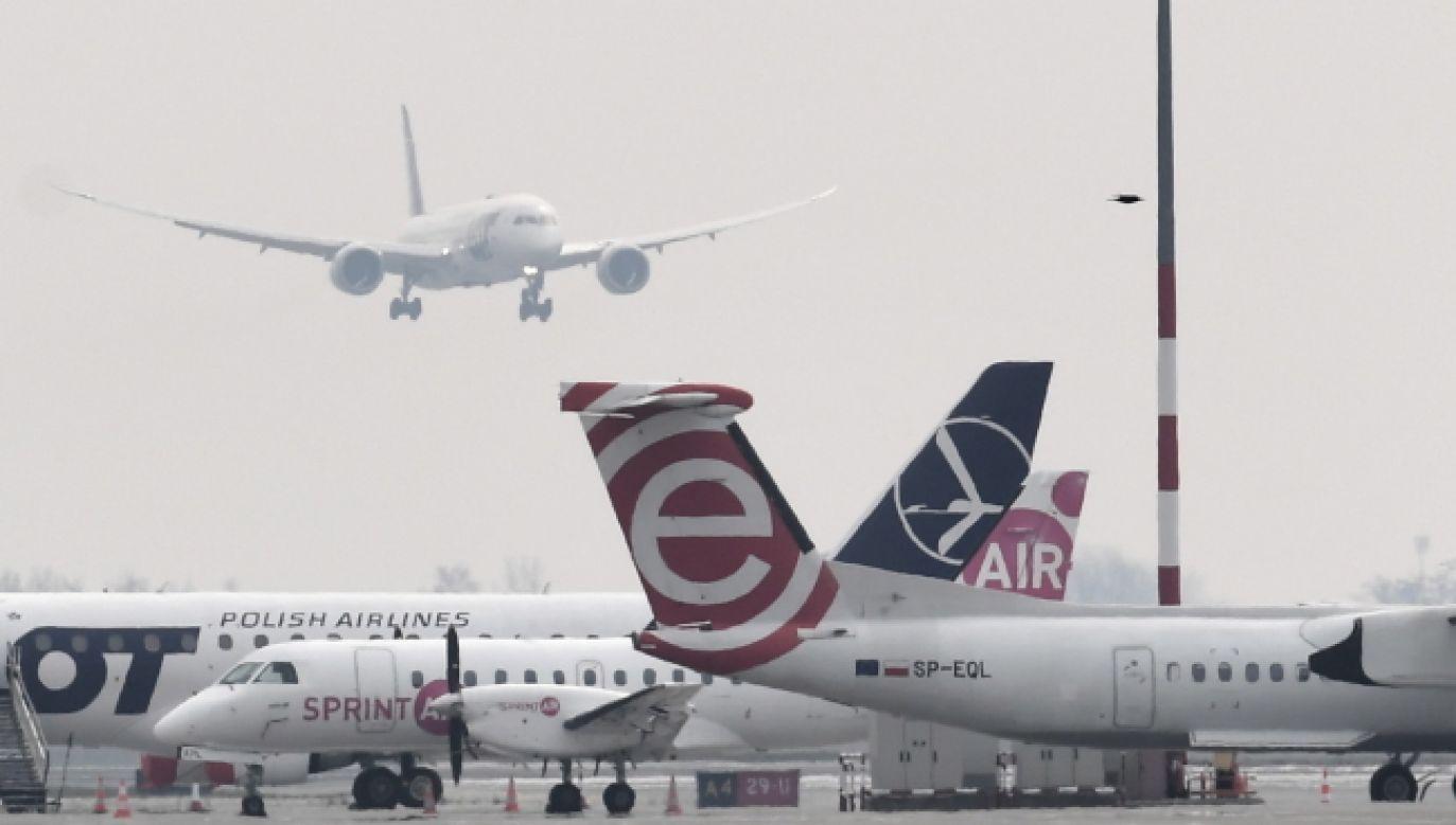 Wykonano 388 lotów (fot. PAP/Piotr Nowak)