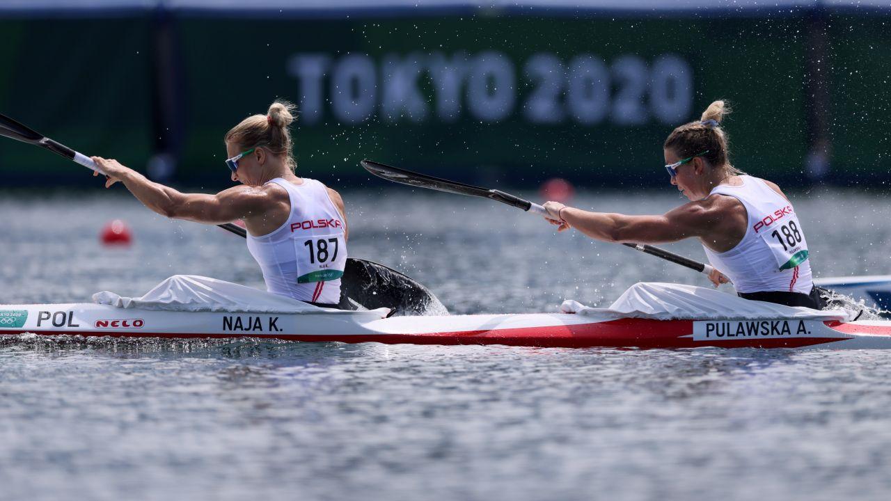 Na ostatnich mistrzostwach świata w Szegedzie, Karolina Naja i Anna Puławska sięgnęły po srebro. (fot. PAP/Leszek Szymański)