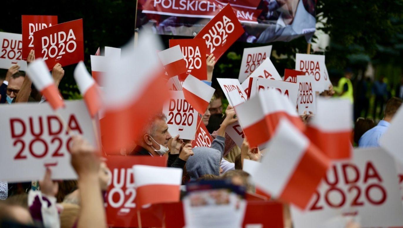Motto apelu to słowa Dmowskiego: Jestem Polakiem - więc mam obowiązki polskie (fot. PAP/Przemysław Piątkowski)