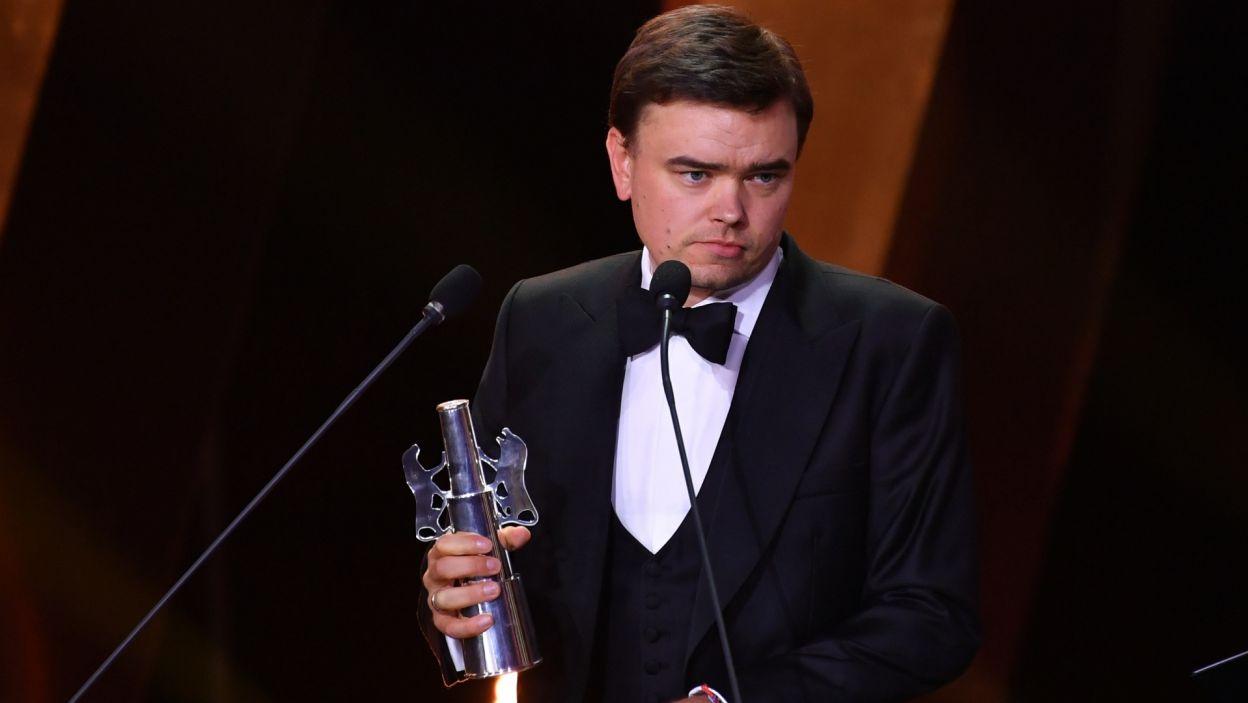 """Srebrne Lwy trafiły do Jana P. Matuszyńskiego za film """"Żeby nie było śladów"""" (fot. PAP/Adam Warżawa)"""