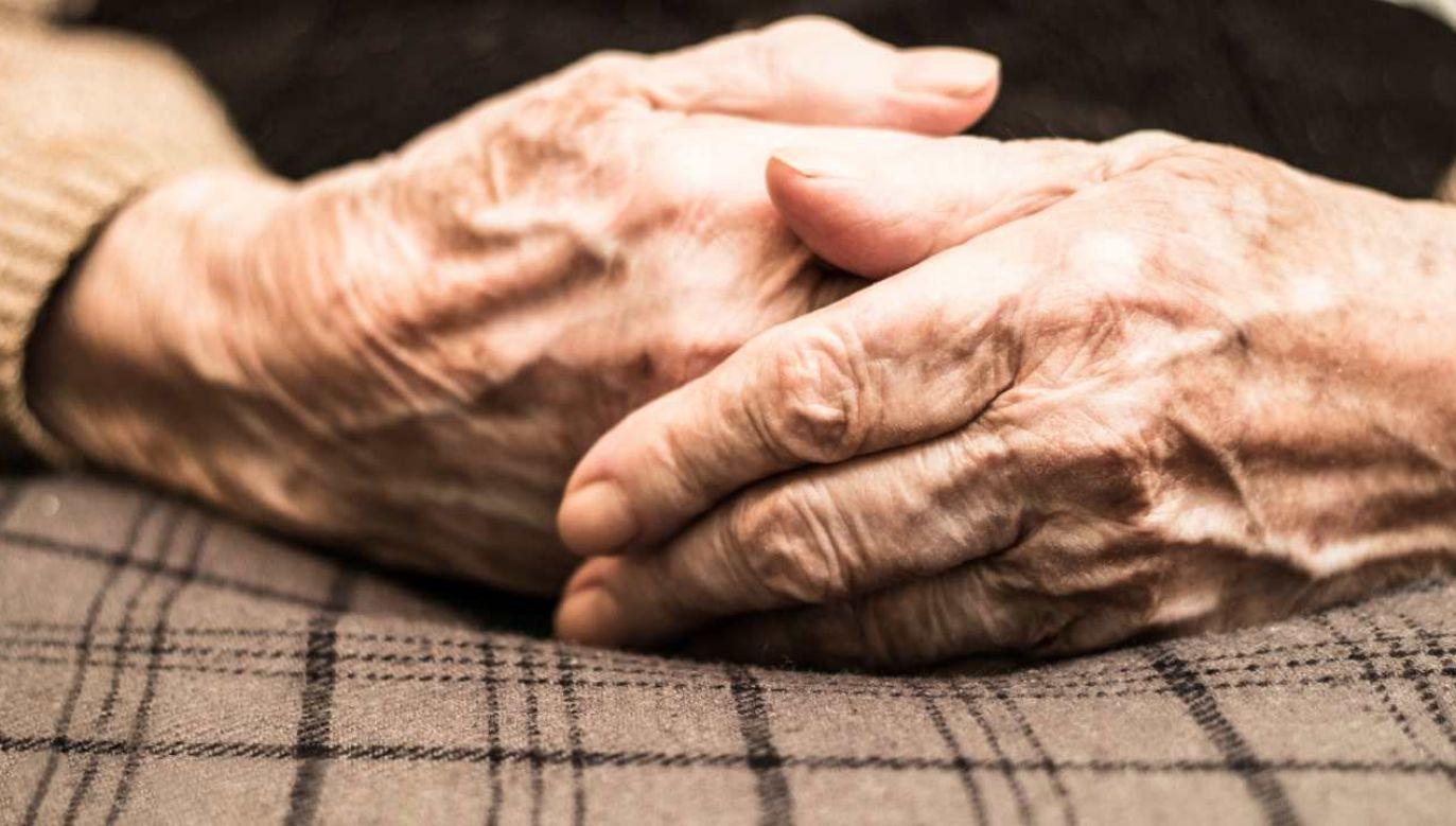 Wyleczona seniorka ma 106 lat (fot. Shutterstock/sanjagrujic)