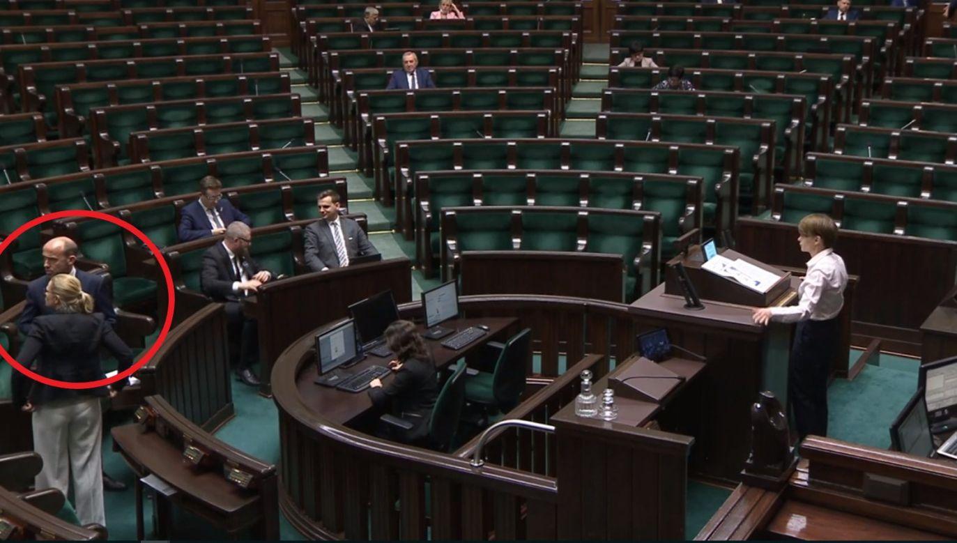Na nagraniach widać zachowanie lidera PO w trakcie przemówień Jadwigi Emilewicz i Roberta Winnickiego (fot. Sejm)