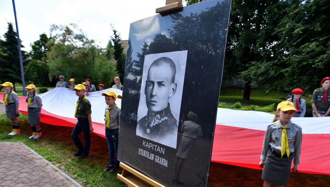 Uroczystość mianowania kapitanem por. Stanisława Grabdy w Chmielniku (Fot. PAP/Piotr Polak)