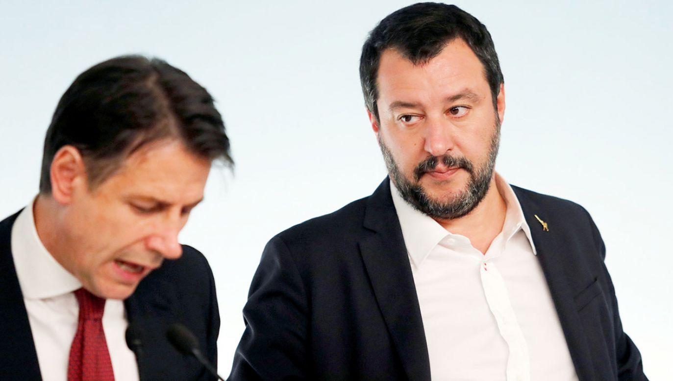 Matteo Salvini powinien wyjaśnić w parlamencie sprawę związków swojej partii z Rosją, uważa Giuseppe Conte (fot. REUTERS/Remo Casilli)