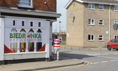 Polski sklep na przedmieściach Bostonu, Lincolnshire, 18 czerwca 2018 r. Miasto Lincolnshire zanotowało najwyższy wynik głosowania w referendum w 2016 r – 75,65% ludności opowiedziało się za opuszczeniem Unii Europejskiej. Boston ma również najwyższy odsetek mieszkańców Europy Wschodniej w Wielkiej Brytanii. Fot. Emanuele Giovagnoli / SOPA Images / LightRocket via Getty Images