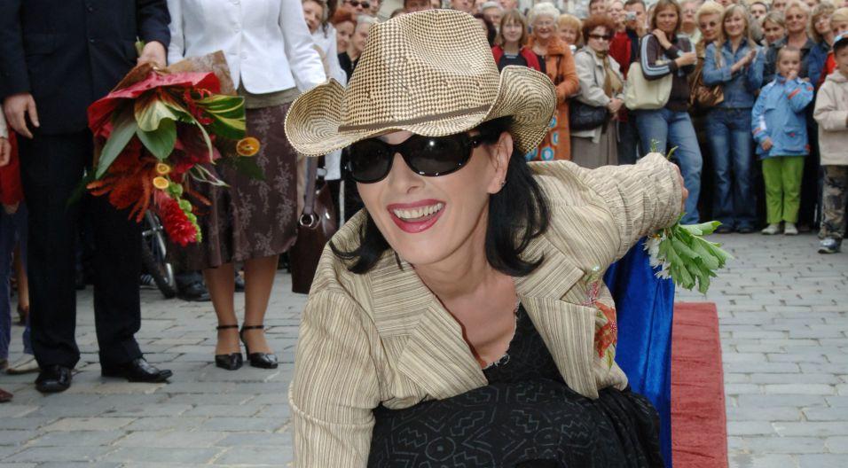 W 2006 roku odsłoniła swoją gwiazdę w opolskiej Alei Gwiazd (fot.TVP)