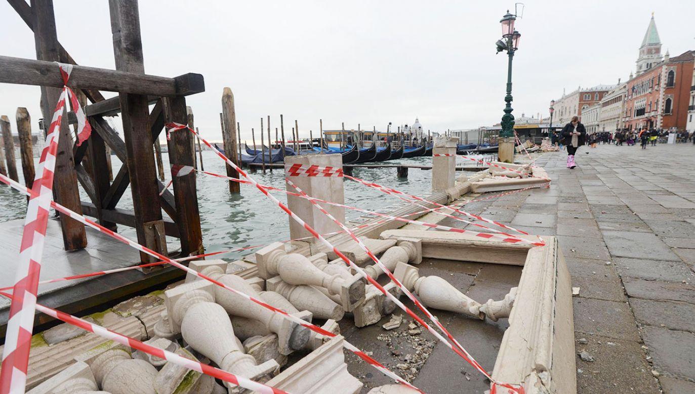 Tragiczna sytuacja w Wenecji zalanej wodą (fot. PAP/EPA/ANDREA MEROLA)