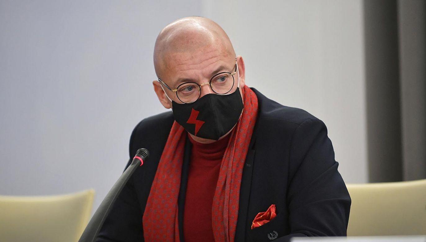 Michał Kamiński nie zostawił na Grzegorzu Schetynie suchej nitki (fot. PAP/Marcin Obara)