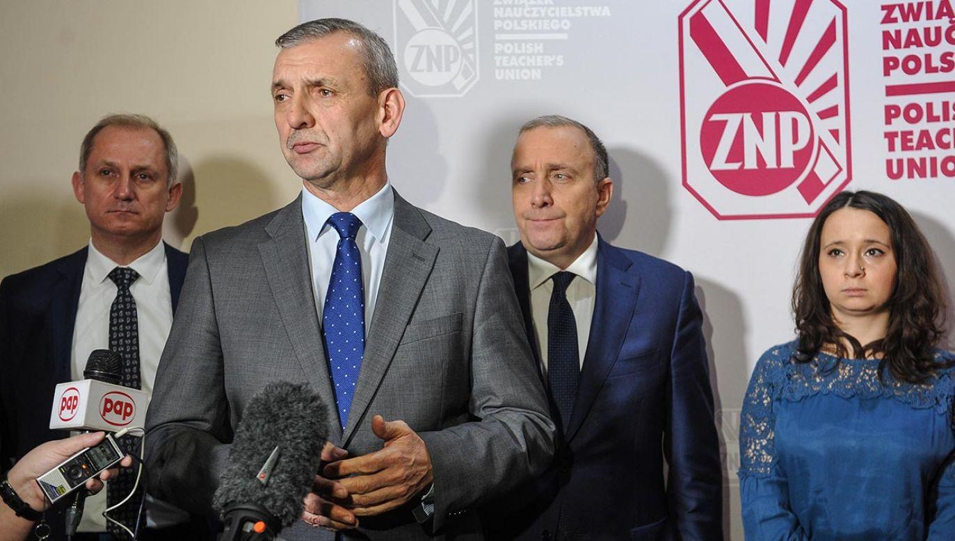 Broniarz podkreśla, że jest apolityczny (fot. PAP/Marcin Obara)