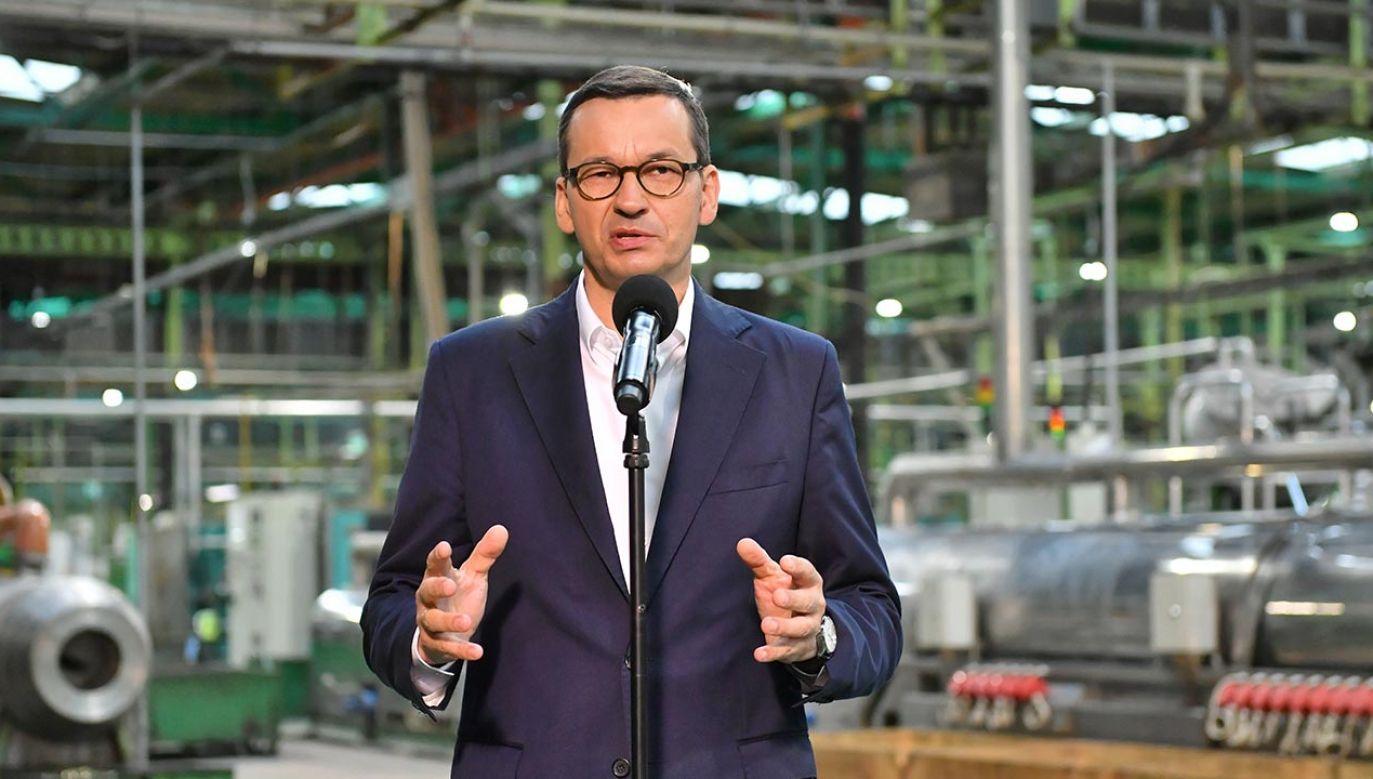 Po naradach ze zwierzchnikiem sił zbrojnych, prezydentem Andrzejem Dudą podjęliśmy decyzję o zainwestowaniu dodatkowych środków 300 do 400 mln zł w odbudowę możliwości produkcyjnych nitrocelulozy (fot. PAP/Wojtek Jargiło)