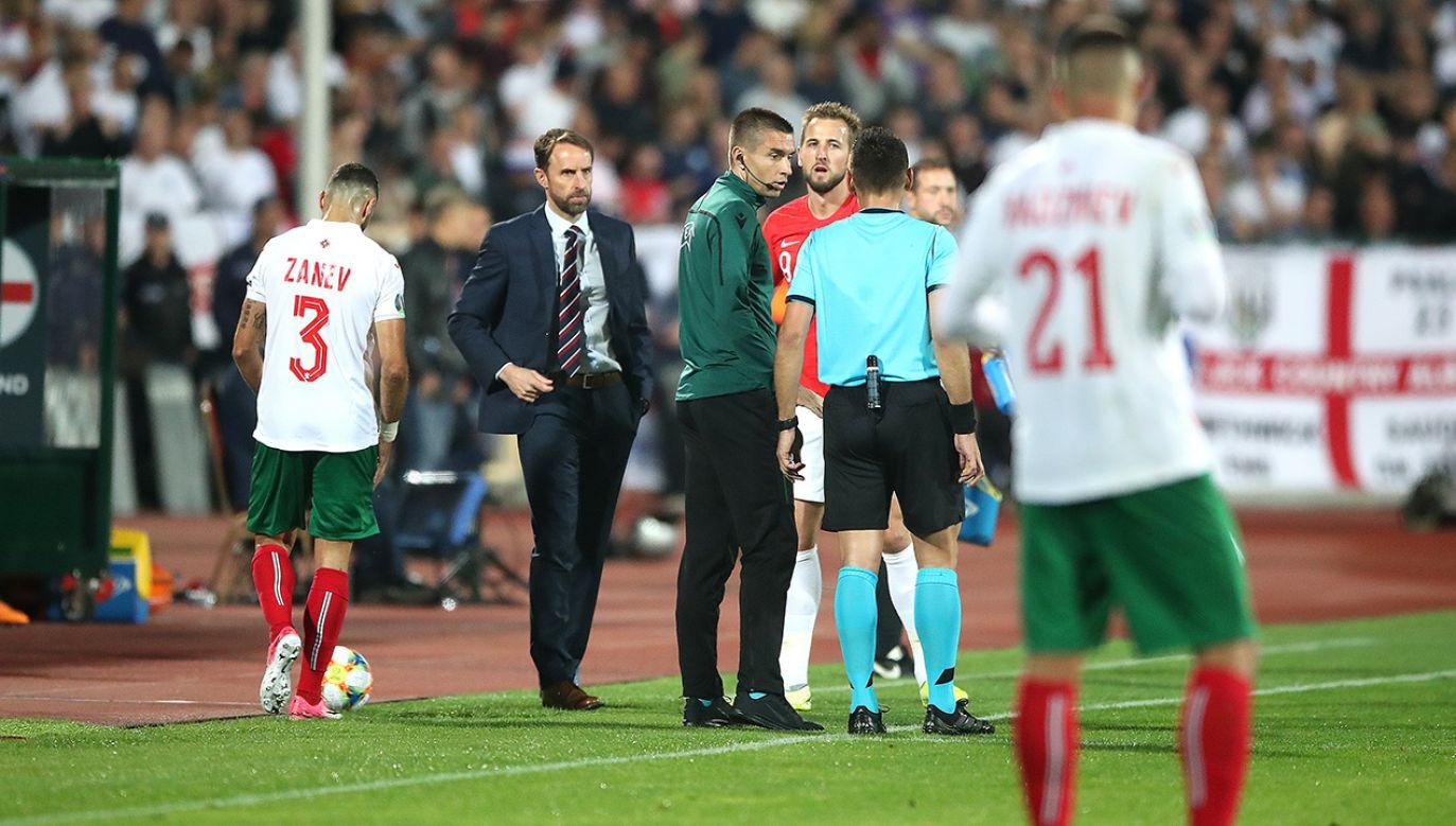 Piłkarze reprezentacji Anglii dwukrotnie schodzili z boiska protestując przeciwko rasistowskim zachowaniom miejscowych kibiców (fot. Nick Potts/PA Images/Getty Images)