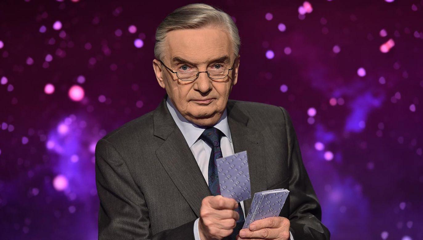 """Tadeusz Sznuk, prowadzący program """"Jeden z dziesięciu""""  (fot. TVP)"""