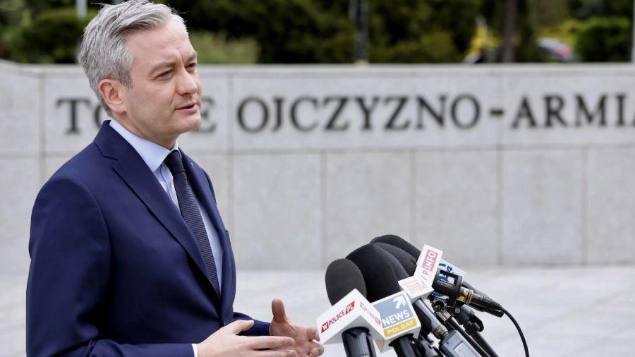 Nie da się połączyć funkcji prezydenta miasta z funkcją kandydata na tak ważny urząd (fot. PAP/Tomasz Gzell)