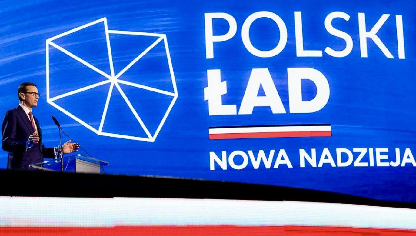 Premier Mateusz Morawicki podczas prezentacji Polskiego Ładu  (fot. tt/@pisorgpl)