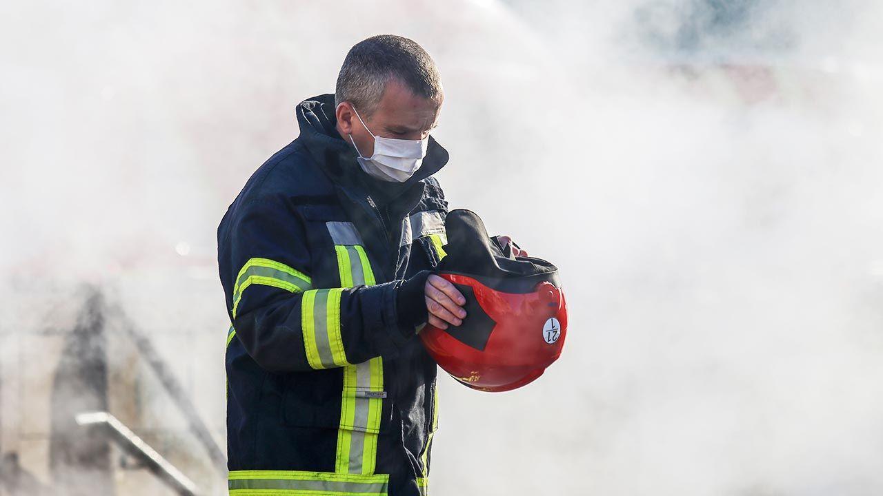W szpitalu miało dojść do wybuchu aparatu tlenowego (fot. Mohammad Javad Abjoushak/SOPA Images/LightRocket via Getty Images)