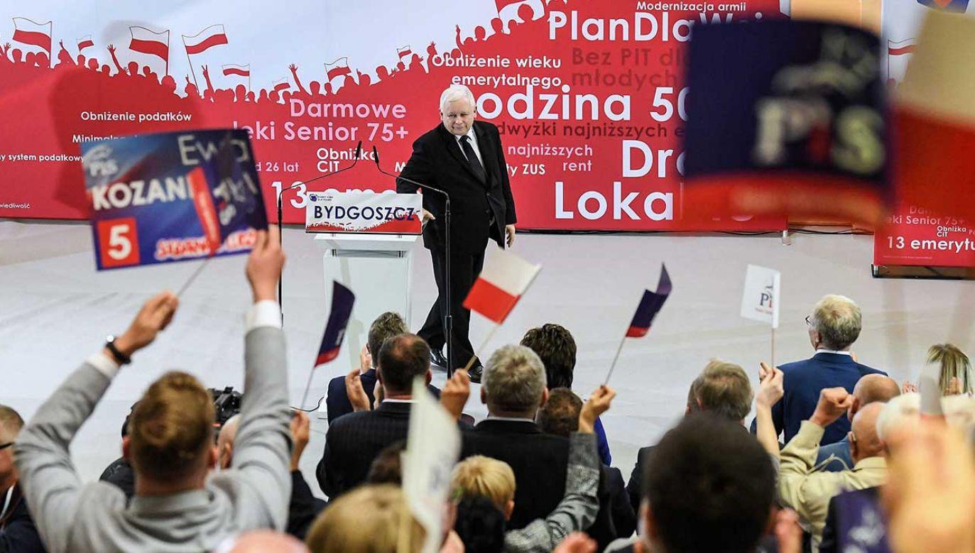 Wg sondażu 46 proc. zadeklarowanych wyborców poparłoby PiS, a 23 proc. KO (fot. PAP/Paweł Skraba)