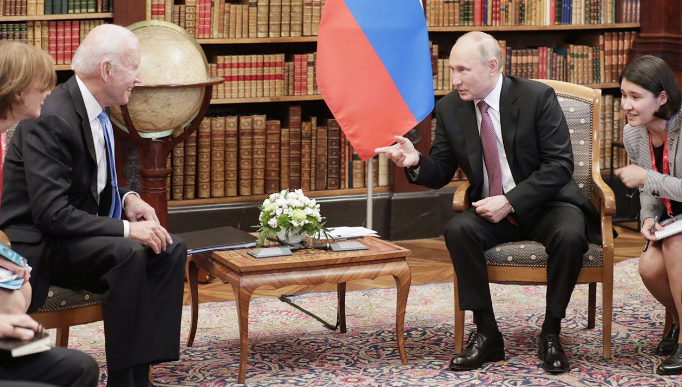 Zdradzono, z jakimi prezentami prezydenci przybyli na spotkanie (fot. Mikhail Metzel\TASS via Getty Images)