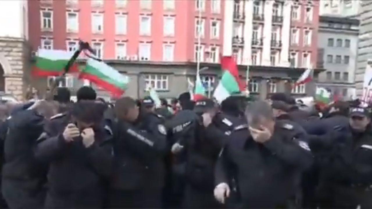 Według bułgarskich władz nikt poważnie nie ucierpiał (fot.Twitter/JasperNeve)