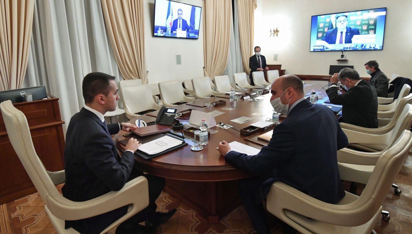 Spotkanie ministrów spraw zagranicznych NATO odbywa się za pośrednictwem wideokonferencji (fot. PAP/ EPA/ALESSANDRO DI MEO)