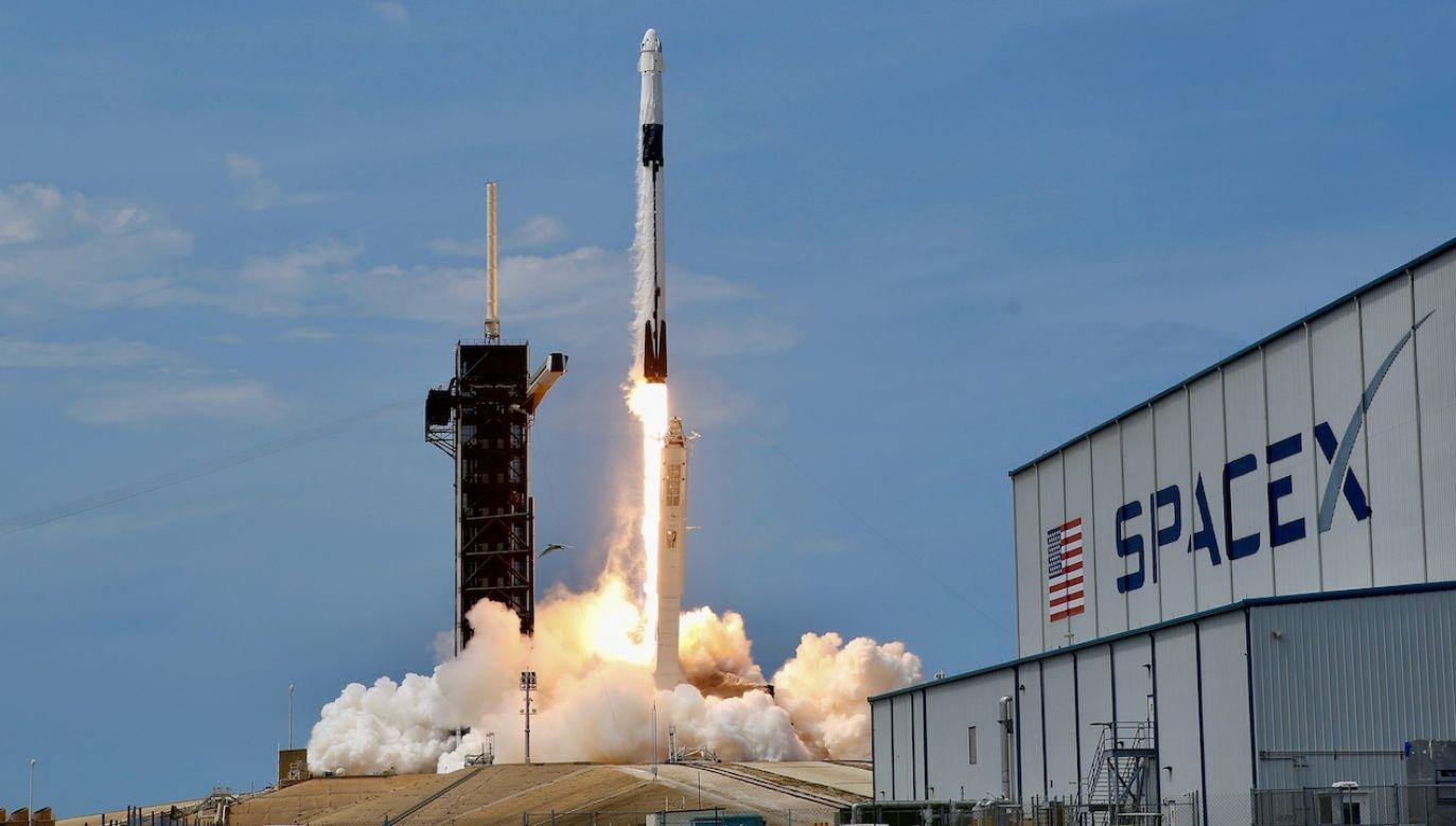 USA tryumfalnie wróciło do przestrzeni kosmicznej  (fot. REUTERS/Joe Skipper)