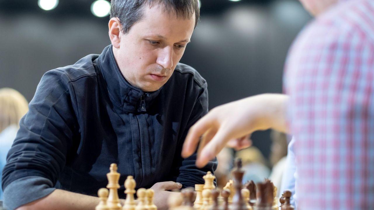 Turniej szachowy w Biel: Radosław Wojtaszek liderem przed ostatnią rundą