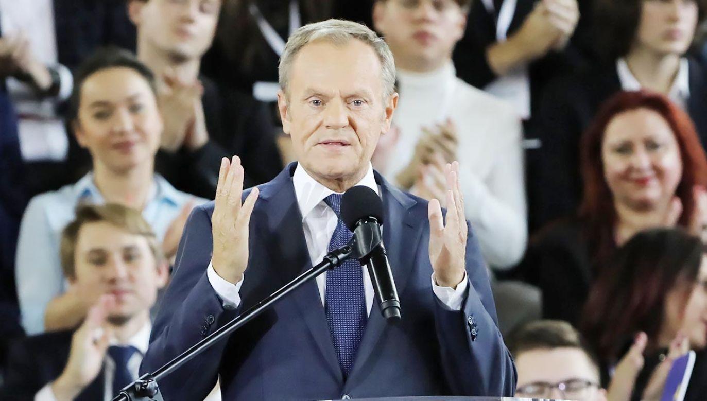 Ekspert o Donaldzie Tusku (fot. PAP/Wojciech Olkuśnik)