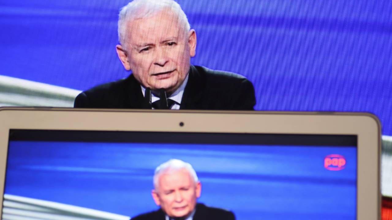 Prezes PiS Jarosław Kaczyński chce poszerzyć koalicję (fot. PAP/Leszek Szymański)