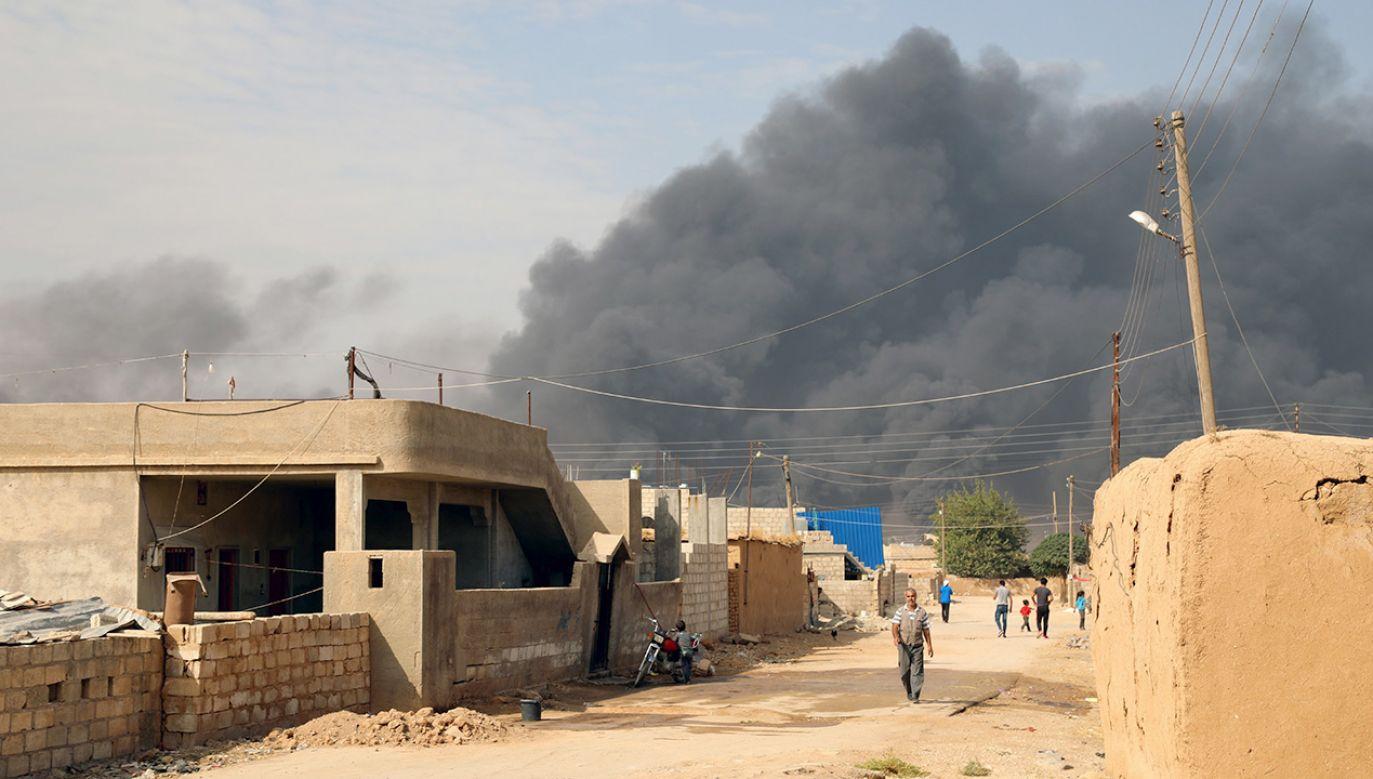 Turcja uzgodniła z USA, że na pięć dni wstrzymuje ofensywę w tym regionie Syrii (fot. PAP/EPA/AHMED MARDNLI)
