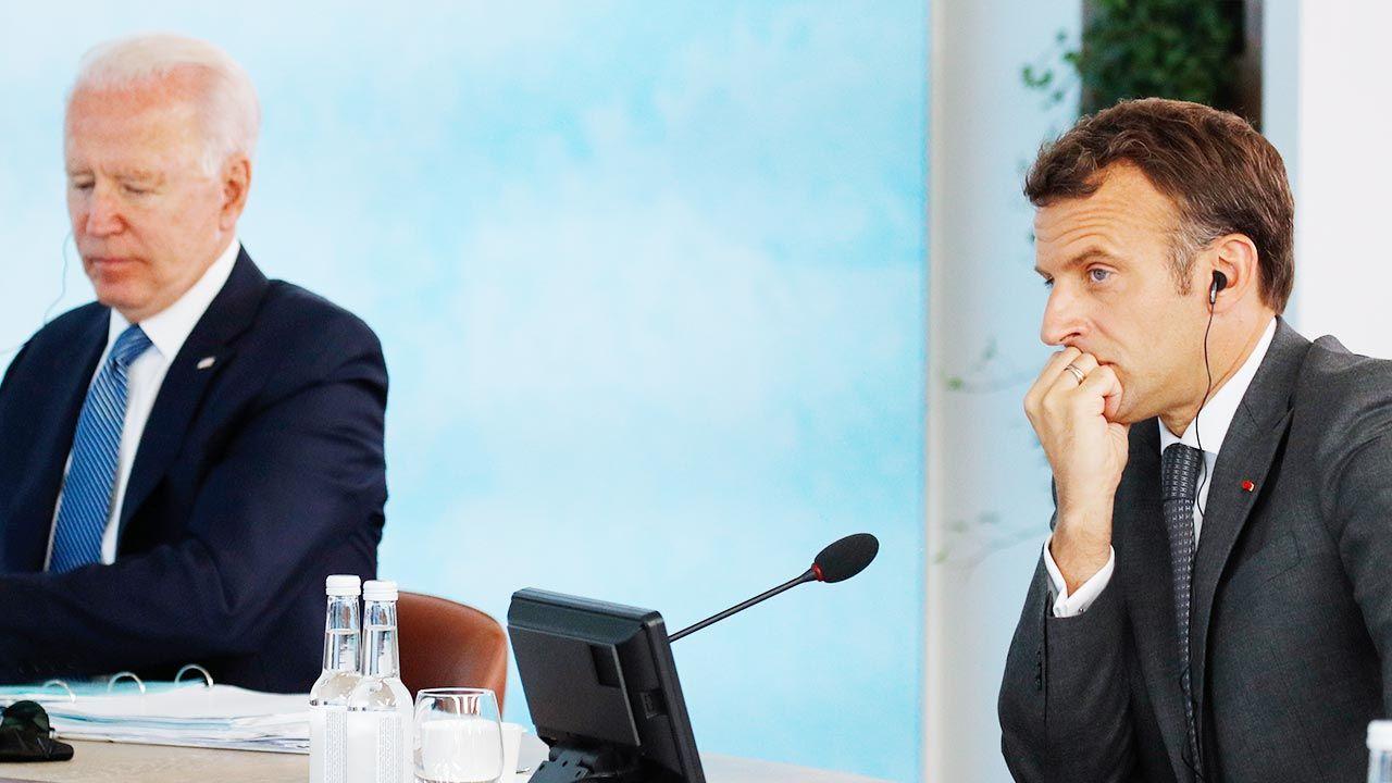 Joe Biden i Emmanuel Macron rozmawiali telefonicznie (fot. Phil Noble - WPA Pool/Getty Images)