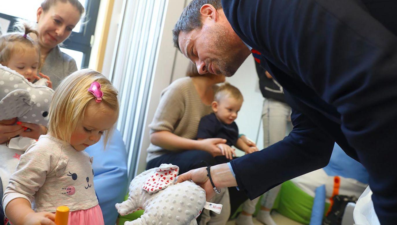 Rafał Trzaskowski obiecuje darmowe żłobki (fot. PAP/Rafał Guz)