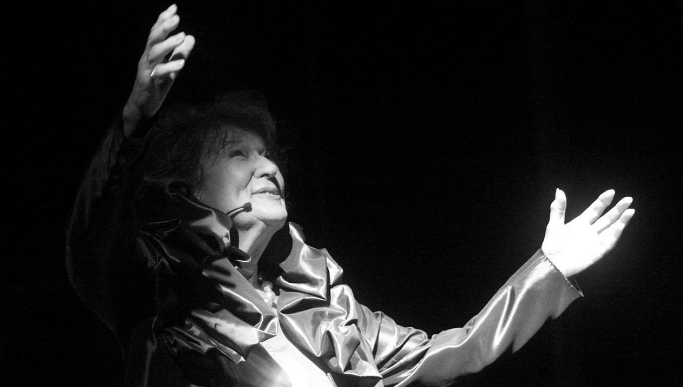 """W 2015 r. została odznaczona Złotym Medalem """"Zasłużony Kulturze Gloria Artis"""" (fot. PAP/Jacek Bednarczyk)"""