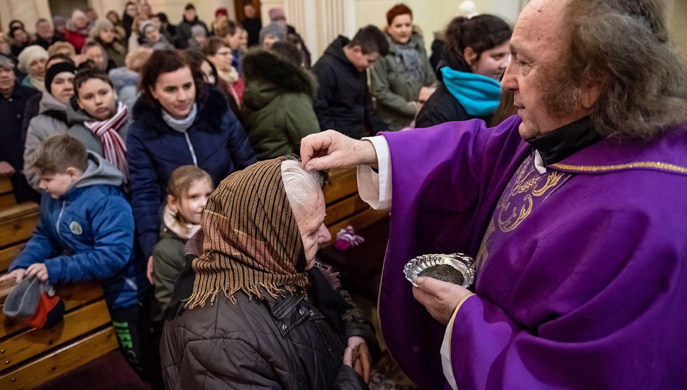 Ten dzień ma pobudzić katolików do podjęcia zdecydowanej drogi osobistej odnowy i nawrócenia (fot. arch. PAP/Wojciech Pacewicz)