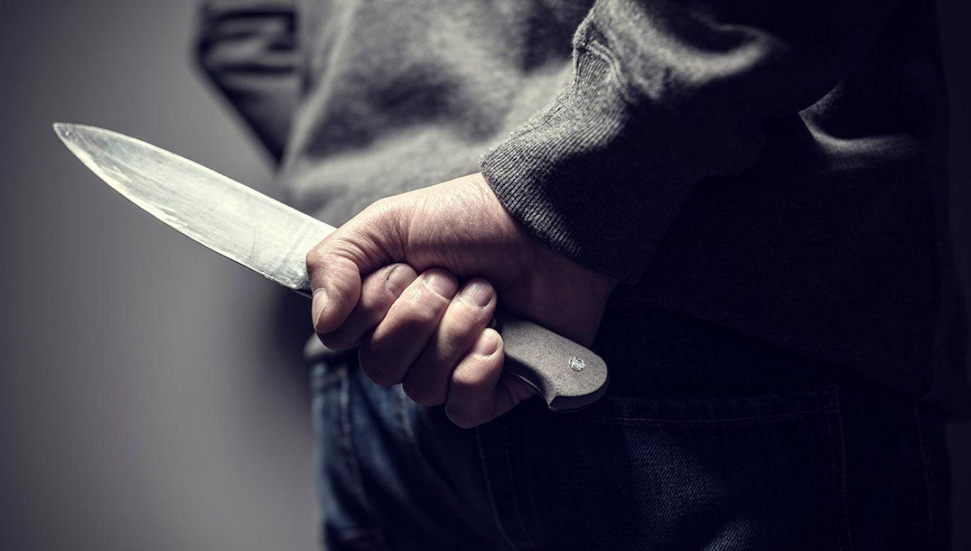 Okazało się, że nożownik miał ok. 1,5 promila alkoholu w organizmie (fot. shutterstock/Brian A Jackson)
