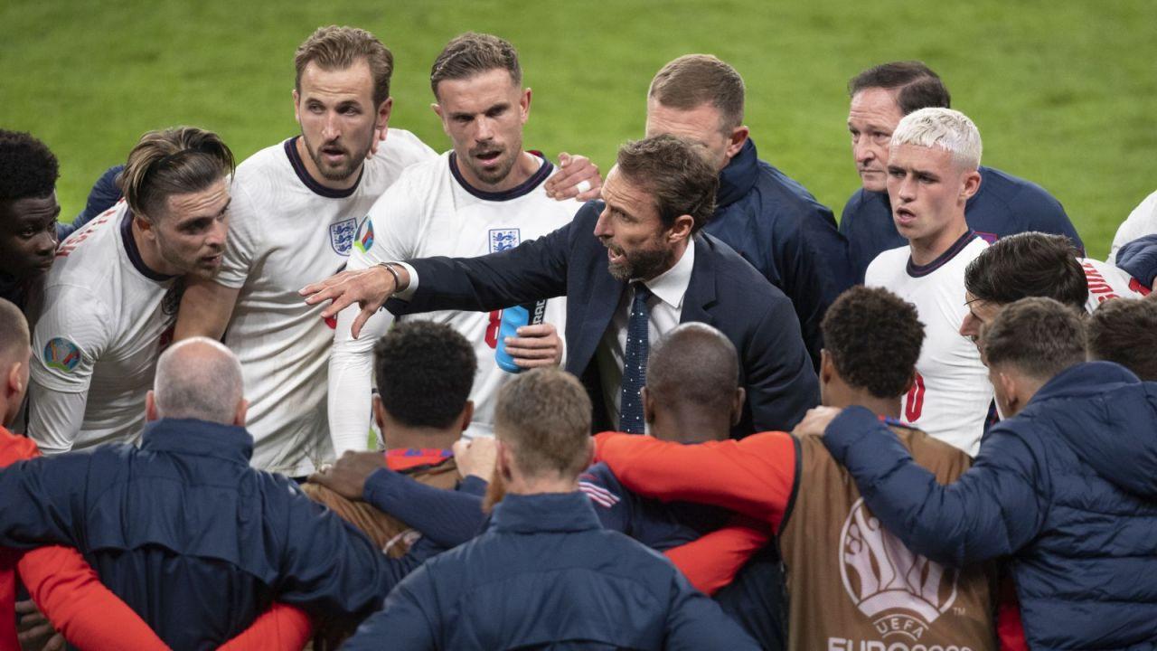 Gareth Southgate i piłkarze reprezentacji Anglii (fot. Getty)