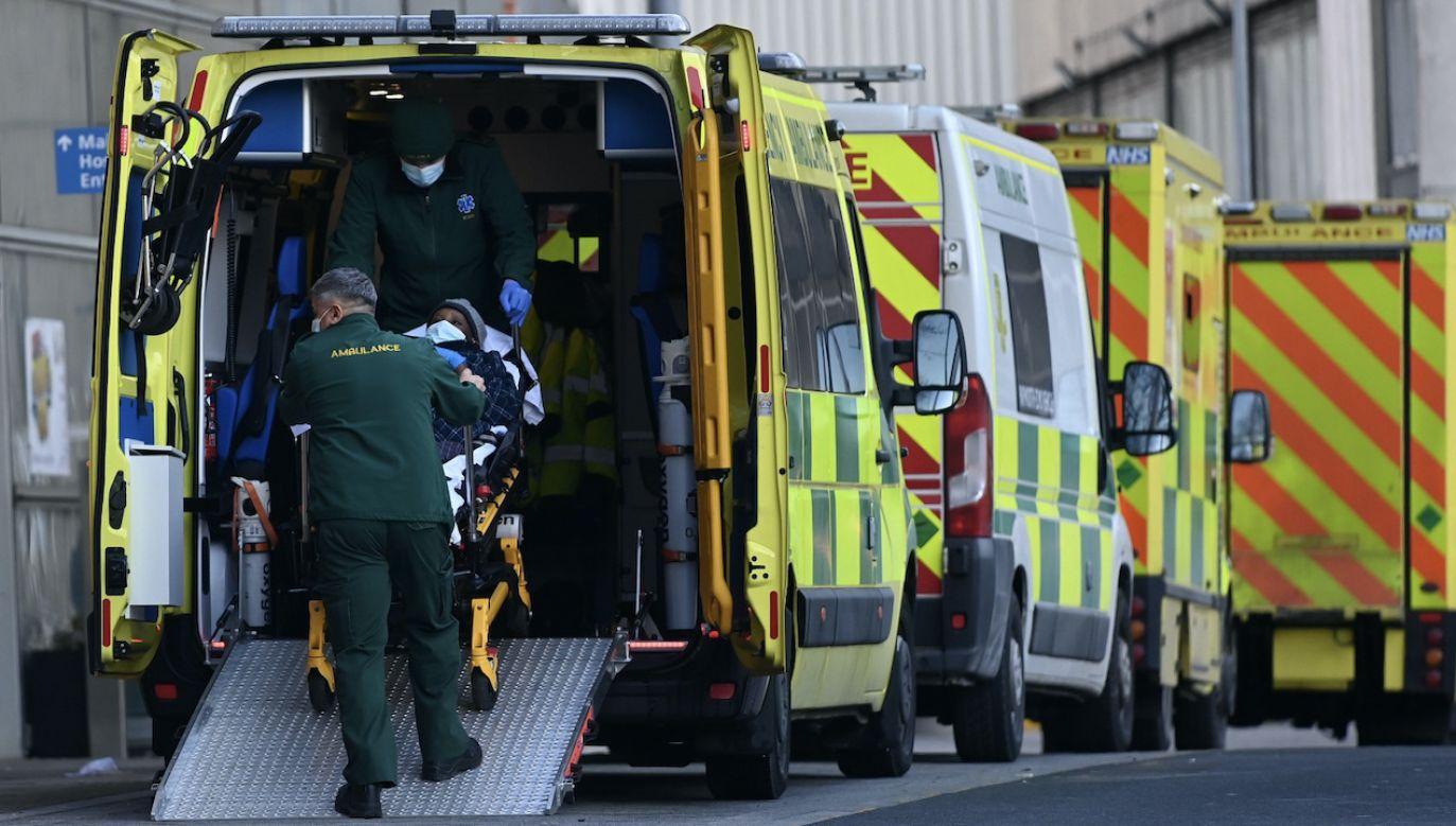 """""""Teraz decyzja jest po stronie wymiaru sprawiedliwości Wielkiej Brytanii"""" (fot. PAP/EPA/ANDY RAIN, zdjęcie ilustracyjne)"""
