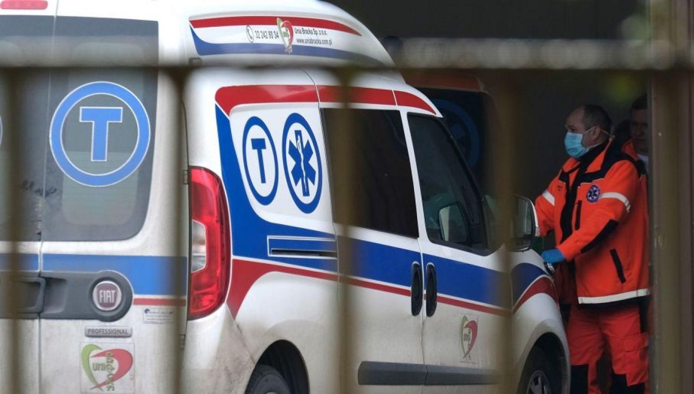 Sześć kolejnych osób zmarło (fot.PAP/Andrzej Grygiel)