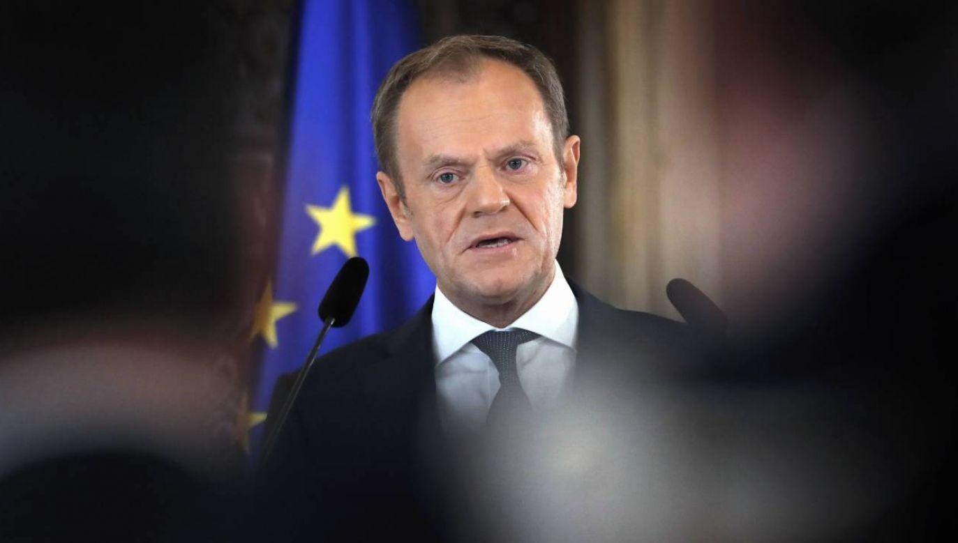Donald Tusk domaga się wykluczenia europosłów węgierskiego Fideszu z EPL (fot. PAP/EPA/ROBERT GHEMENT)