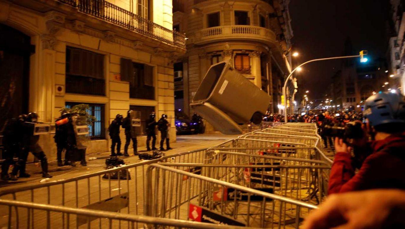 Protesty trwają od 16 lutego (fot. PAP/EPA/ALENJANDRO GARCIA)