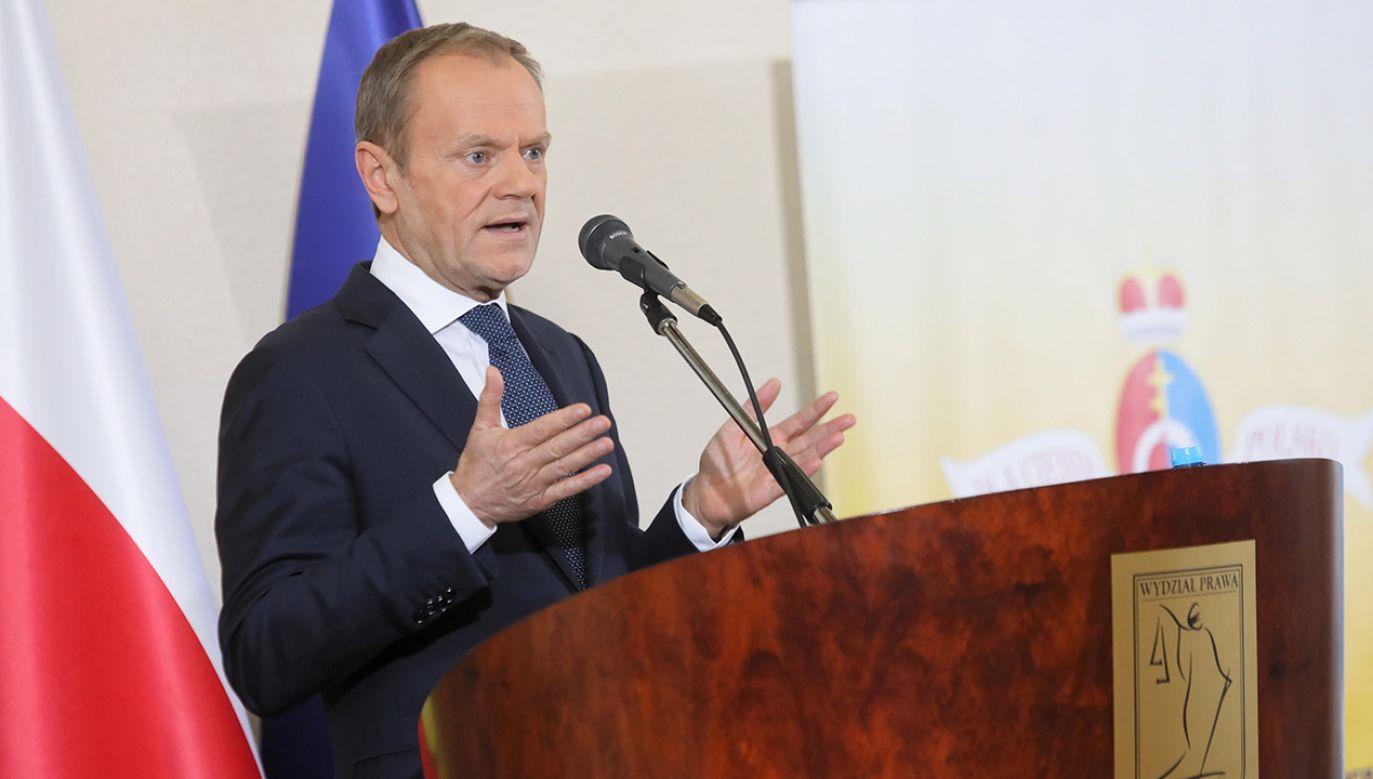Zastępca szefa Kancelarii Prezydenta uważa, że b. premier zasłania się Małgorzatą Kidawą-Błońską (fot. PAP/Artur Reszko)
