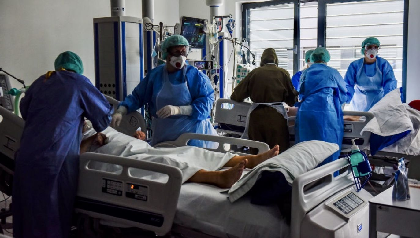 Dodatkowe pieniądze dla lekarzy walczących z koronawirusem – zapowiedział minister zdrowia (fot. Omar Marques/Getty Images)
