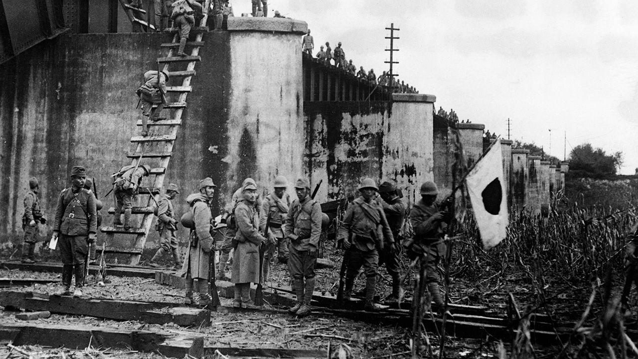 Japoński premier nie przyjął od Polaków deklaracji wojny (fot. Hulton-Deutsch Collection/CORBIS/Corbis via Getty Images)