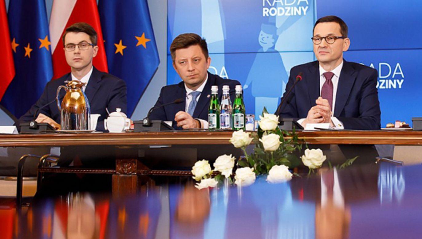 Szef KPRM podkreślił, że ministrowie są gotowi do ewentualnego ustąpienia ze swojego stanowiska (fot. KPRM/Krystian Maj)