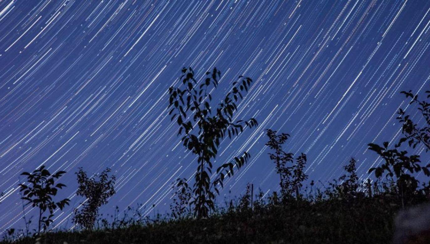 W nocy ma być bezchmurne niebo (fot.Sergei Malgavko\TASS via Getty Images)