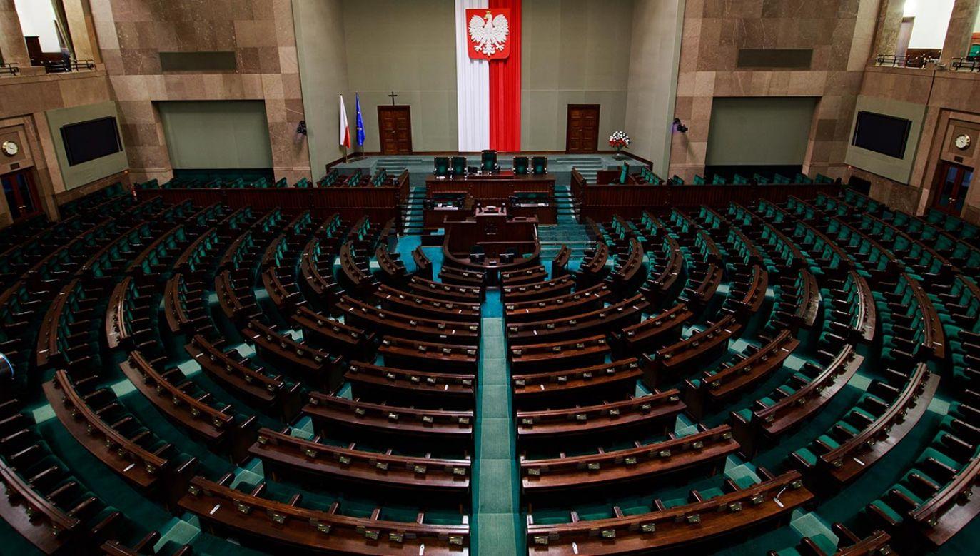 Sejm zbiera się w środę na dwudniowym posiedzeniu (fot. Shutterstock/Verconer)