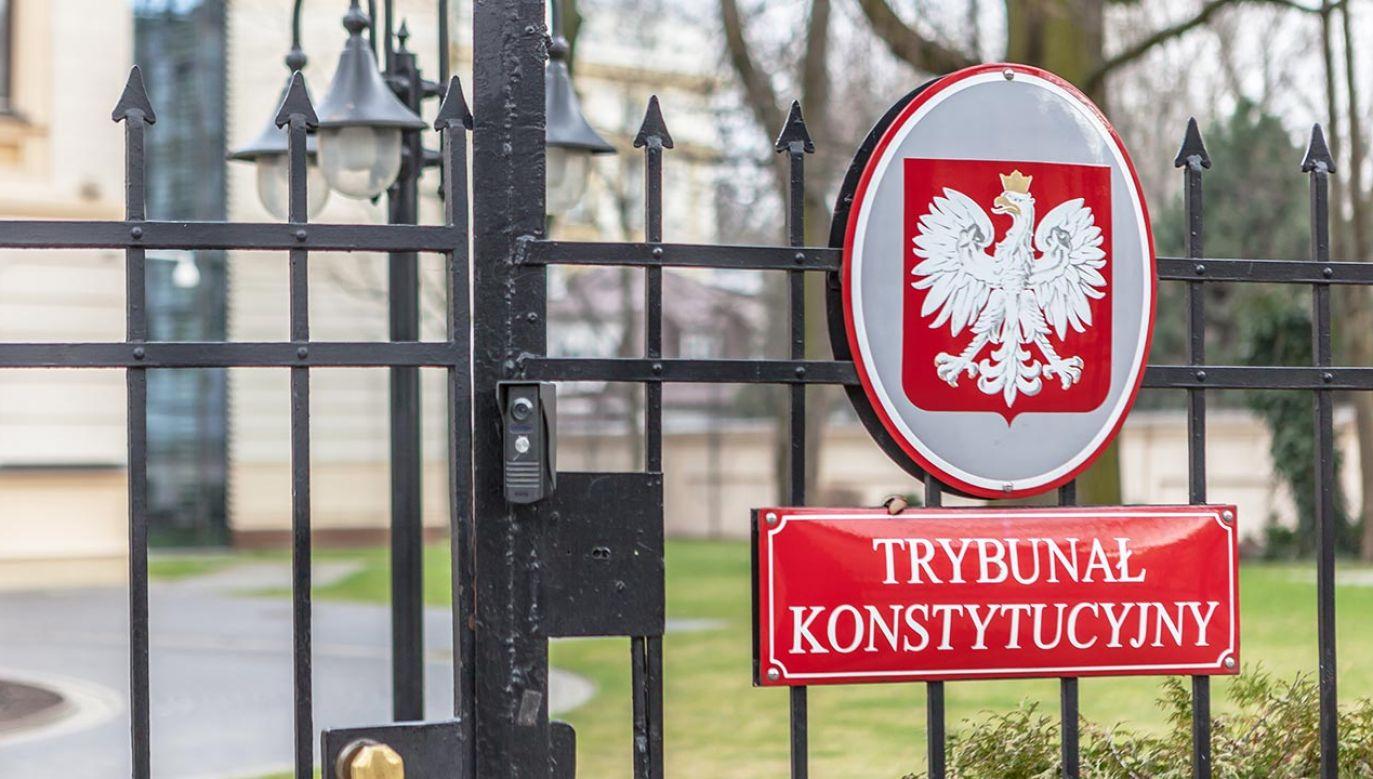 Premier złoży wniosek do TK (fot. Shutterstock/Grzegorz Czapski)